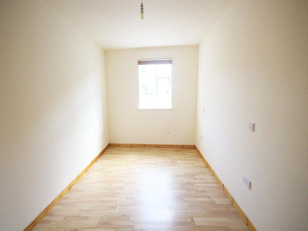 2 bedroom apartment To Let in Colne - IMG_3439.jpg